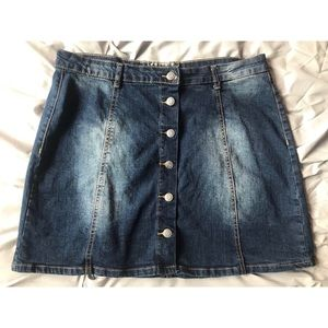 "Hot Kiss Button-Up Denim ""Skylar Skirt"""